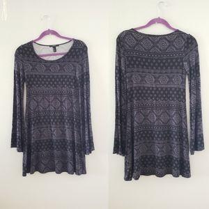 🌼5/$15 F21 Patterned Dress